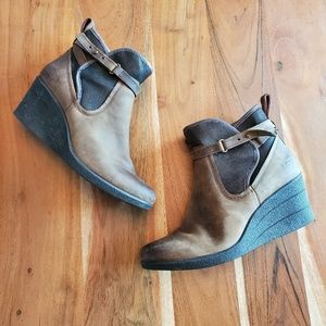 Ugg Emalie Waterproof Wedge Ankle Boots